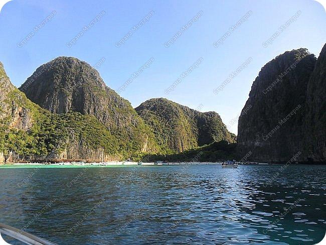 Здравствуйте! Предлагаю вам окунуться в атмосферу экзотики, вечного лета  и улыбок ! Да, это  Таиланд. А место, где мы насладимся отдыхом - о.Пхукет, его западное побережье , - уютные и относительно чистые заливы и пляжи Патонга.  Для нас отдых - прежде всего познавательные экскурсии и  наслаждение природой.    Андаманское море, Индийский океан...Добро пожаловать на нашу маленькую экскурсию! фото 20