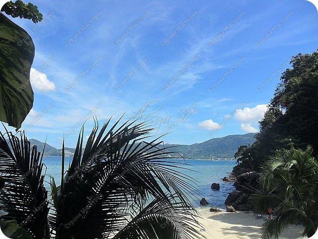 Здравствуйте! Предлагаю вам окунуться в атмосферу экзотики, вечного лета  и улыбок ! Да, это  Таиланд. А место, где мы насладимся отдыхом - о.Пхукет, его западное побережье , - уютные и относительно чистые заливы и пляжи Патонга.  Для нас отдых - прежде всего познавательные экскурсии и  наслаждение природой.    Андаманское море, Индийский океан...Добро пожаловать на нашу маленькую экскурсию! фото 23