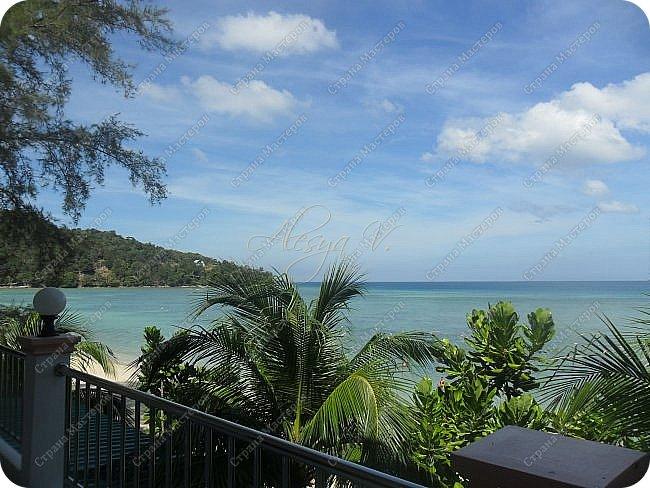 Здравствуйте! Предлагаю вам окунуться в атмосферу экзотики, вечного лета  и улыбок ! Да, это  Таиланд. А место, где мы насладимся отдыхом - о.Пхукет, его западное побережье , - уютные и относительно чистые заливы и пляжи Патонга.  Для нас отдых - прежде всего познавательные экскурсии и  наслаждение природой.    Андаманское море, Индийский океан...Добро пожаловать на нашу маленькую экскурсию! фото 25