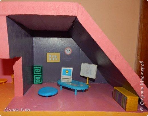 Вот такой кукольный домик для свинки Пеппа я сделала для своей дочери. Размер домика 60*20*60 см. фото 8