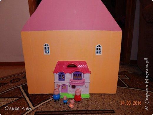 Вот такой кукольный домик для свинки Пеппа я сделала для своей дочери. Размер домика 60*20*60 см. фото 15