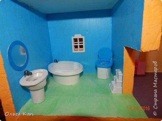 Вот такой кукольный домик для свинки Пеппа я сделала для своей дочери. Размер домика 60*20*60 см. фото 9