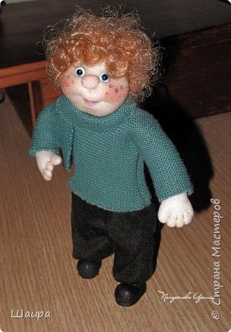 Интерьерная кукла-мальчик. Рост 19 см. На проволочном каркасе. Самостоятельно стоит. Ручки, ножки гнутся.   фото 8