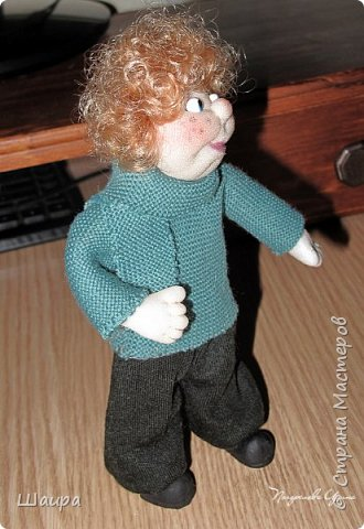 Интерьерная кукла-мальчик. Рост 19 см. На проволочном каркасе. Самостоятельно стоит. Ручки, ножки гнутся.   фото 10
