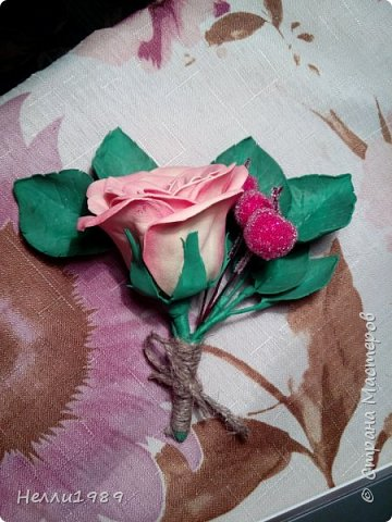 Мой второй цветок из фоамирана (тоже роза) фото 2