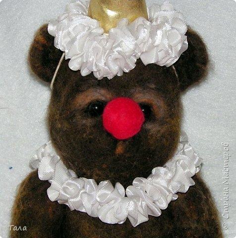 Медведь выполнен методом сухого валяния.Лапы на шплинтах. Высота 25 см.Ищет себе дом!!! фото 2