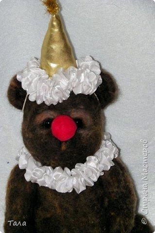 Медведь выполнен методом сухого валяния.Лапы на шплинтах. Высота 25 см.Ищет себе дом!!! фото 1