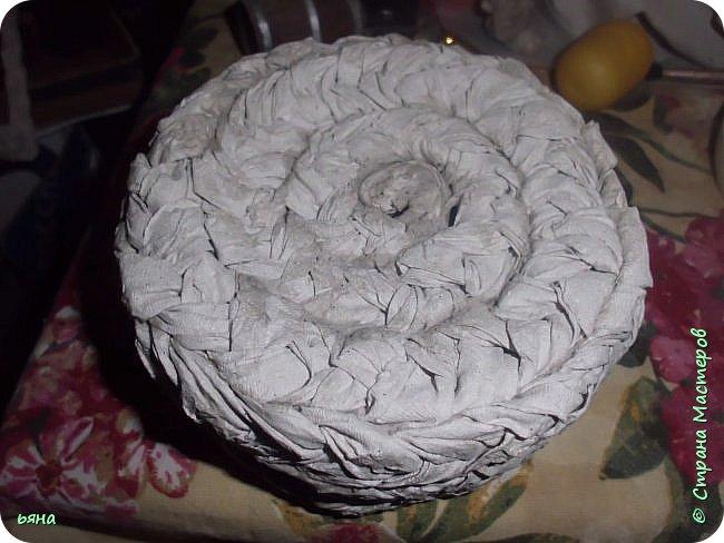 ПЛЕТЕМ - НЕ ПЛЕТЯ. Плетение необычное из туалетной бумаги фото 21