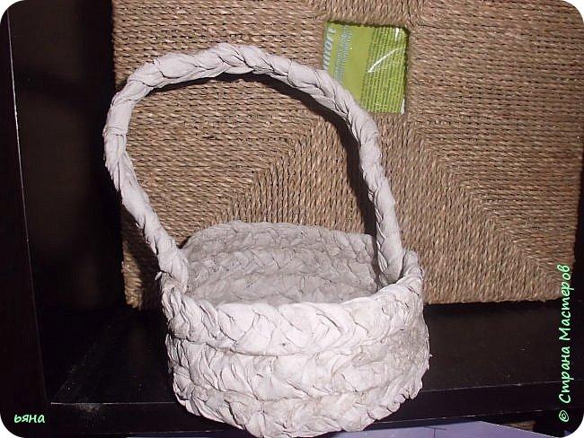 ПЛЕТЕМ - НЕ ПЛЕТЯ. Плетение необычное из туалетной бумаги фото 22