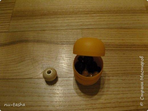 Вот такие пупсы-погремушки появились у меня после МК Наталии Еременко. Рост 16 см. Внутри контейнер из-под киндер-сюрприза с бусинами. Глазки вышиты. фото 3