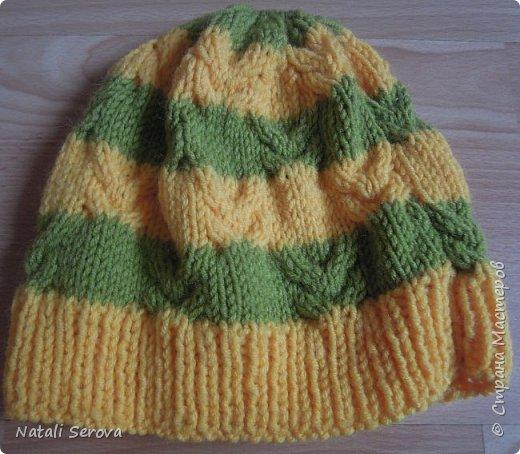 """Увидев у брата шапку с шарфиком, старшая дочка попросила связать ей тоже комплектик """"веселеньких"""" цветов. Вот что получилось фото 2"""