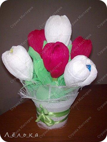 Захотелось поделиться с вами своими гофрированными цветами с конфетами.  Корзинка со сладким букетиком подарок на день варения))) фото 4