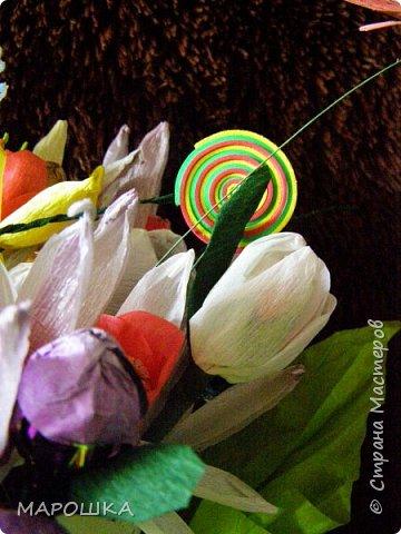 именинник весенний значит и букет весенний  - нарциссы, тюльпаны фото 2