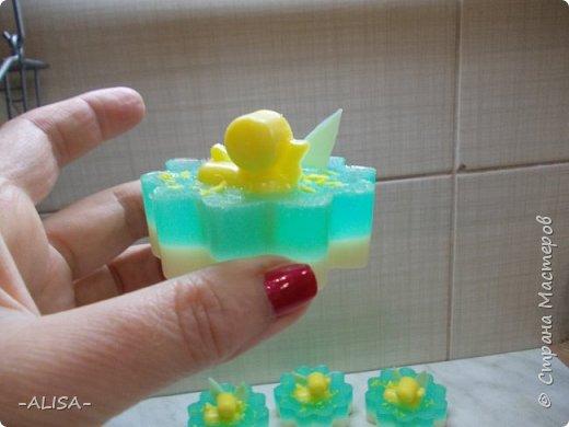 Дорогие мастерицы! Хочу поделится с Вами идеей оформления детского мыльца для тех у кого нет суперсиликоновых формочек. Нам понадобится формочка для льда