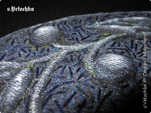 Училась создавать фактурную поверхность на простой ткани. У меня-джинса. фото 25
