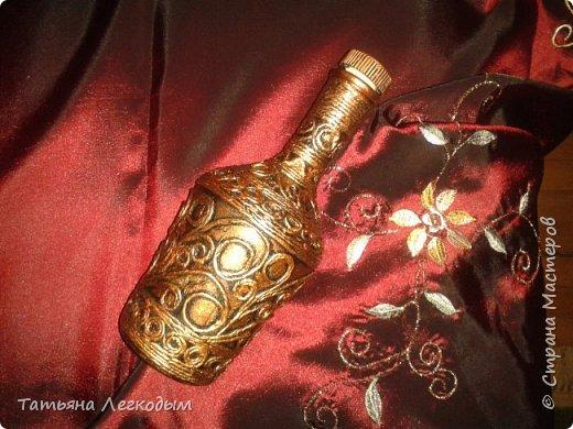В оформлении  бутылок   были использованы джут,  галька, декоративные камни,ракушки,крупа.  Пробку делала из соленого теста. фото 11