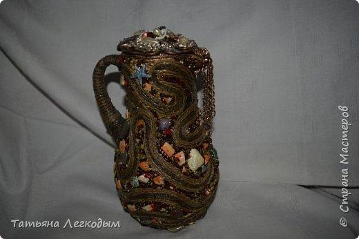 В оформлении  бутылок   были использованы джут,  галька, декоративные камни,ракушки,крупа.  Пробку делала из соленого теста. фото 3
