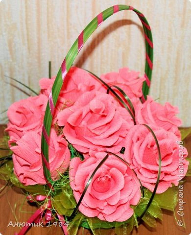 """Сладкая корзинка с розами. всего 15 штук, конфетка """"Марсианка"""" фото 4"""