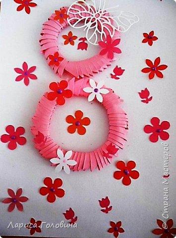 Делали на внеурочке подарки к 8 марта. Работа Данила. Розы в технике оригами по книге Елены Ступак. Верхний слой картона приподнят на объёмный скотч. фото 5