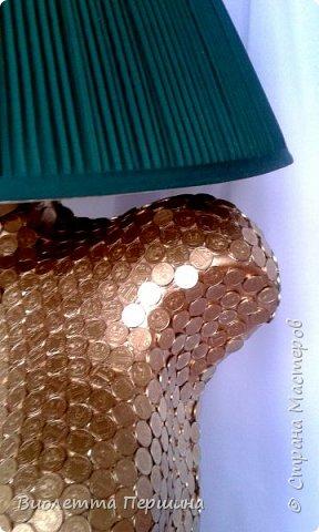 Светильник ручной работы, декорирован казахстанскими монетами достоинством 1 тенге.  фото 5