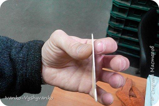 Наклейка рукотворная. 8 Х 8 см. Плотность 2 мм. Пластиковая основа, акриловые краски, акриловый глянцевый лак. Рисунок срисовал из интернета. фото 4
