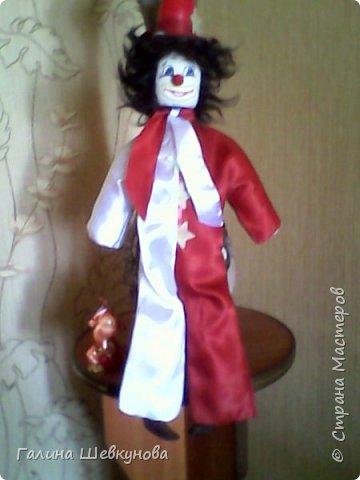Игрушка Веселый клоун.   Высота-40 см, легкий, т.к пустотелый, ножки, ручки двигаются, головка крутится. фото 6