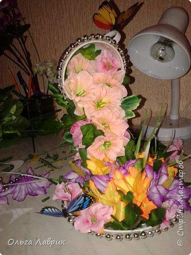 """Парящая... Давно мечтала, и вот сбылось. Конец февраля немного марта выдалось """"дни рожденным"""". На работу был отведен вечер, день искала бабочки, нашла в цветочном и то уговорила снять с букета . оцените. И ещё вопрос к тем, кто может делал, как добивались равновесия? В моей идею подкинул муж, предложив в блюдце положить гайки. фото 1"""