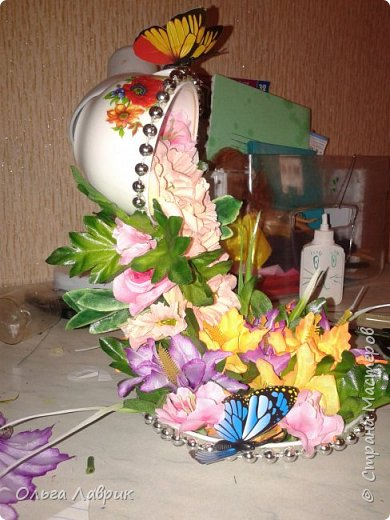 """Парящая... Давно мечтала, и вот сбылось. Конец февраля немного марта выдалось """"дни рожденным"""". На работу был отведен вечер, день искала бабочки, нашла в цветочном и то уговорила снять с букета . оцените. И ещё вопрос к тем, кто может делал, как добивались равновесия? В моей идею подкинул муж, предложив в блюдце положить гайки. фото 3"""