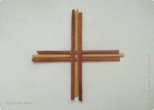 Вариант простой поделки к Пасхе из газетных трубочек. фото 11