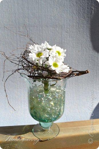 """1.""""Гнёздышко весеннее"""" Состав: керам.кашпо, флор.губка (оазис), сизаль, пенопластовые яйца. Цветы и зелень: альстромерия, кустовая роза, статица, салал, фисташка, пастушья сумка.  фото 15"""