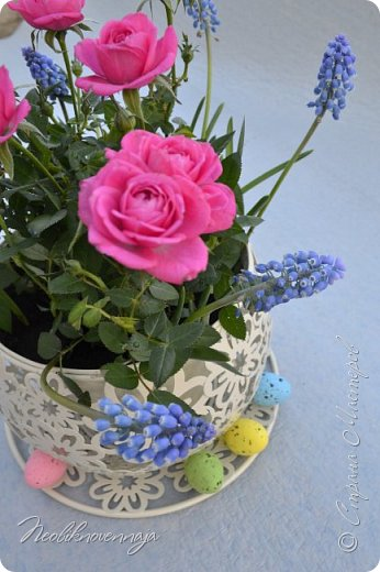"""1.""""Гнёздышко весеннее"""" Состав: керам.кашпо, флор.губка (оазис), сизаль, пенопластовые яйца. Цветы и зелень: альстромерия, кустовая роза, статица, салал, фисташка, пастушья сумка.  фото 9"""