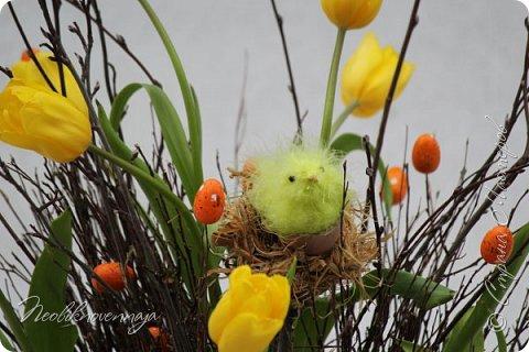 """1.""""Гнёздышко весеннее"""" Состав: керам.кашпо, флор.губка (оазис), сизаль, пенопластовые яйца. Цветы и зелень: альстромерия, кустовая роза, статица, салал, фисташка, пастушья сумка.  фото 26"""