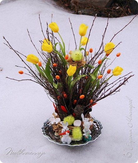 """1.""""Гнёздышко весеннее"""" Состав: керам.кашпо, флор.губка (оазис), сизаль, пенопластовые яйца. Цветы и зелень: альстромерия, кустовая роза, статица, салал, фисташка, пастушья сумка.  фото 25"""
