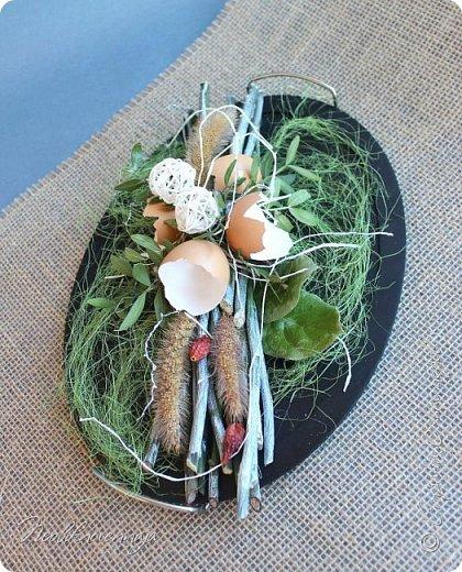 """1.""""Гнёздышко весеннее"""" Состав: керам.кашпо, флор.губка (оазис), сизаль, пенопластовые яйца. Цветы и зелень: альстромерия, кустовая роза, статица, салал, фисташка, пастушья сумка.  фото 42"""