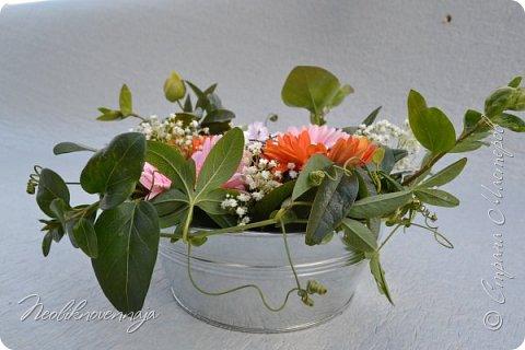 """1.""""Гнёздышко весеннее"""" Состав: керам.кашпо, флор.губка (оазис), сизаль, пенопластовые яйца. Цветы и зелень: альстромерия, кустовая роза, статица, салал, фисташка, пастушья сумка.  фото 29"""