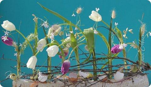 """1.""""Гнёздышко весеннее"""" Состав: керам.кашпо, флор.губка (оазис), сизаль, пенопластовые яйца. Цветы и зелень: альстромерия, кустовая роза, статица, салал, фисташка, пастушья сумка.  фото 44"""