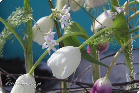 """1.""""Гнёздышко весеннее"""" Состав: керам.кашпо, флор.губка (оазис), сизаль, пенопластовые яйца. Цветы и зелень: альстромерия, кустовая роза, статица, салал, фисташка, пастушья сумка.  фото 46"""