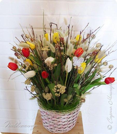 """1.""""Гнёздышко весеннее"""" Состав: керам.кашпо, флор.губка (оазис), сизаль, пенопластовые яйца. Цветы и зелень: альстромерия, кустовая роза, статица, салал, фисташка, пастушья сумка.  фото 12"""