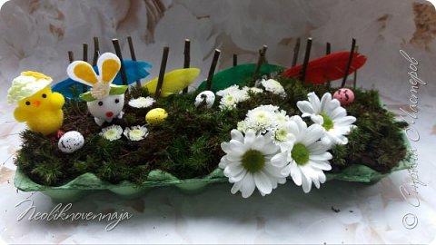 """1.""""Гнёздышко весеннее"""" Состав: керам.кашпо, флор.губка (оазис), сизаль, пенопластовые яйца. Цветы и зелень: альстромерия, кустовая роза, статица, салал, фисташка, пастушья сумка.  фото 5"""