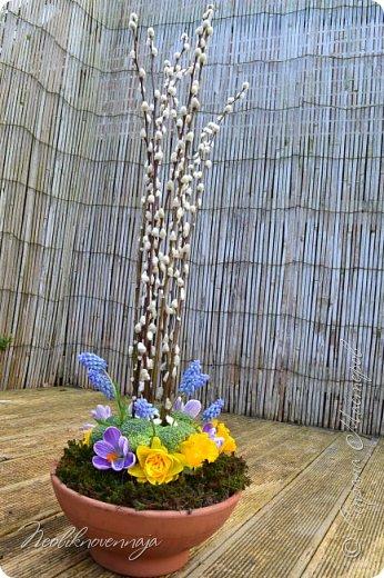"""1.""""Гнёздышко весеннее"""" Состав: керам.кашпо, флор.губка (оазис), сизаль, пенопластовые яйца. Цветы и зелень: альстромерия, кустовая роза, статица, салал, фисташка, пастушья сумка.  фото 21"""