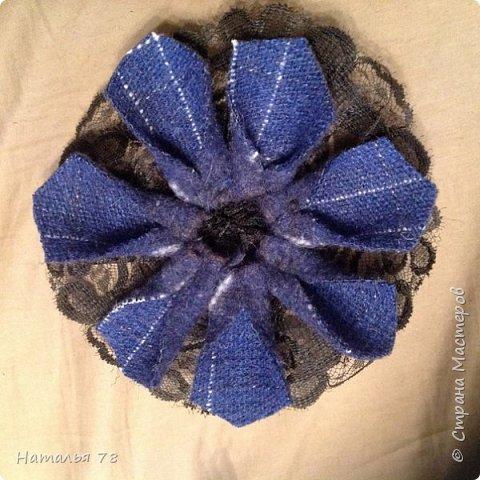 Вот такая брошь у меня получилась, делала ее для пончо, цвета драпа, из которого выполнены лепестки. фото 11
