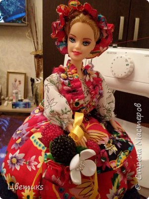 """Добрый день уважаемые мастерицы СМ и мои гости!  Хочу поделиться с вами как я делаю куклу-шкатулку и очень надеюсь, что мой МК вам понравится и будет в помощь.  В данном варианте сделана кукла на тему: """"""""Лето НЕ За горами"""".   Жду ваши комментарии и вопросы))) Заранее благодарю.   фото 36"""