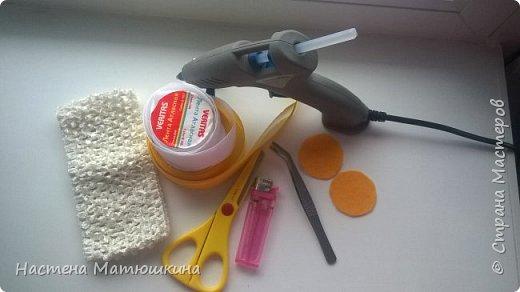Мне очень нравится техника канзаши!!Собирание лепестков и цветов из лент очень увлекательно.Я решила показать,как сделать хризантему из атласных лент,хотя мастер-классов по этому цветку очень много,я тоже решила попробовать) фото 2