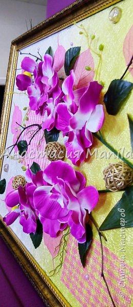 Всем привет! Вчера меня посетила муза и я сделала объемное панно с любимыми орхидеями)) Эдакое 3D)) Фон градиентный с переходом от золотисто-желтого в перламутровый белый. В работе использовала различные веточки, скелетированные листики, марблсы, перламутровые полубусины, флористическую сетку, ротанговые шарики, искусственные листики и цветы. Размер 40Х50. Оформлено в очень красивую рамку.  фото 5