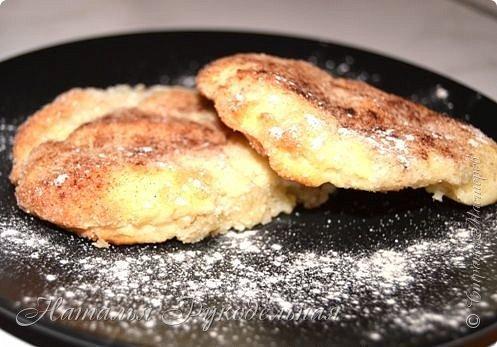 Печеньки очень вкусные и очень простые в приготовлении  Ингредиенты: масло сливочное - 100 гр. творог - 200 гр. сахар - 200 гр. мука - 1  стакан с горкой сода - 0,5 ч.л. ванилин или экстракт ванилина