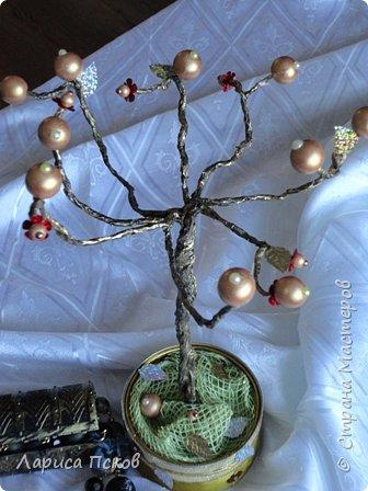 Доброго времени суток , дорогие соседи! К 8 Марта приготовила в подарок невестке подставку- дерево для бижутерии. фото 1