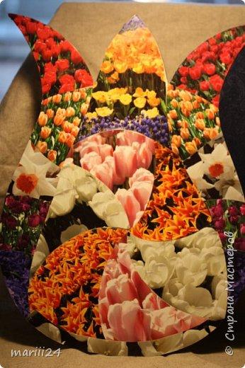 Добрый день,уважаемые мастера и  мастерицы. Хочу сегодня вам показать альбом, который я сделала для  моих родителей.  Моя мама большая любительница цветов (надо сказать они отвечают ей взаимностью). И она не только любит их выращивать, она обожает всевозможные выставки, парады и т.п. события из жизни цветов.  В прошлом году мои родители с моим старшим сыном посетили Стамбул, в котором ежегодно весной проходит выставка тюльпанов. Этому путешествию и посвящен мой альбом. С обложкой к этому альбому я участвовала в конкурсе пейп-арта, который устроила гениальный мастер Татьяна Сорокина. Спасибо всем девочкам, которые голосовали за мою работу. фото 3