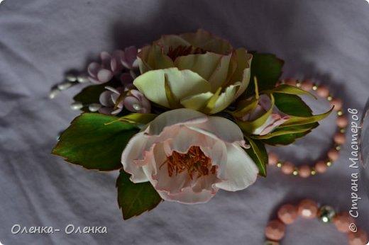 Добрый вечер!  Я очень люблю цветы, они прекрасны.Каждый цветок он неповторим:хрупкий,нежный, величественный.Некрасивых цветов нет.Цветы так быстро увядают,но многие мастера создают их из разных материалов,и я учусь у многих мастеров . Одним из материалов для создания цветов есть фоамиран,и это мои первые работы с этим замечательным материалом . фото 4