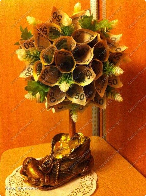 Денежный кран из сувенирных купюр. фото 3
