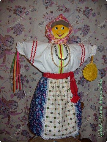 """Это наша кукла """"Масленица"""", которую мы сделали всей семьей к городскому конкурсу! (А фото оформили в открытку :)) фото 5"""